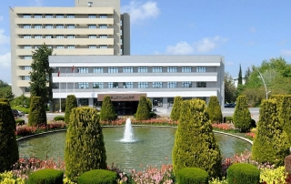 دانشگاه آک دنیز Akdeniz Üniversitesi در شهر آنتالیا