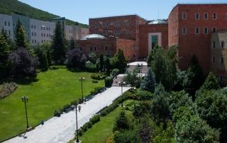 دانشگاه یدی تپه Yeditepe Üniversitesi